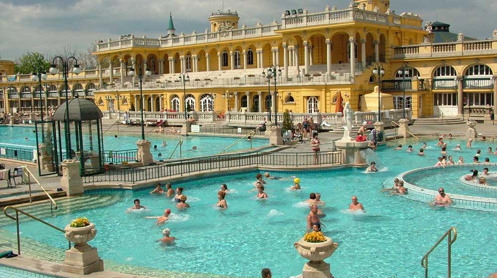 Das Szechenyi Bad in Budapest